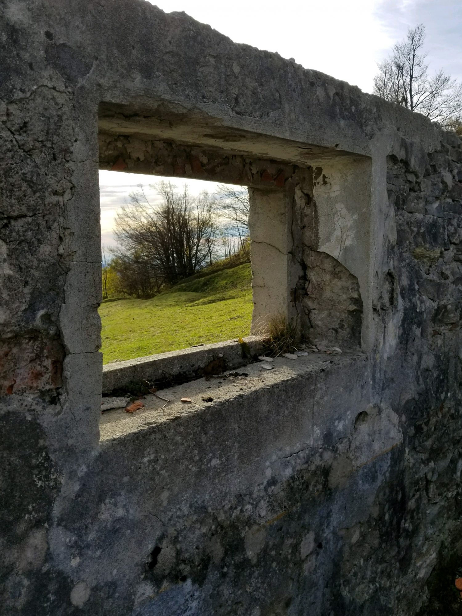 cropped-slovenia-wwi-house-window.jpeg